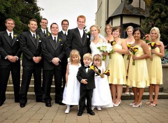 vancouver-wedding-photographer-funkytown-07-family-portrait